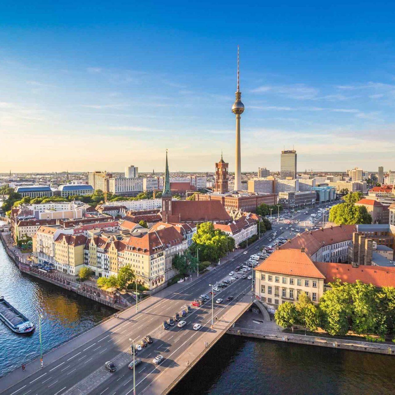 https://avioexpress.ba/wp-content/uploads/2018/09/destination-berlin-05-1280x1280.jpg