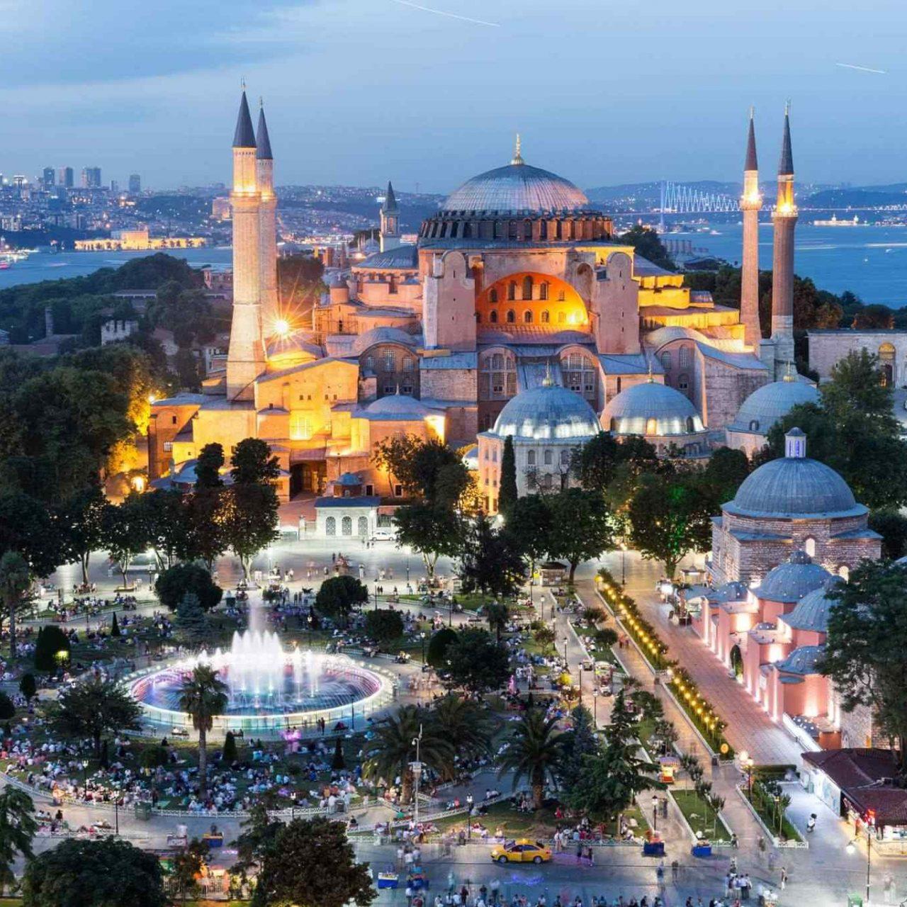 https://avioexpress.ba/wp-content/uploads/2018/09/destination-istanbul-02-1280x1280.jpg
